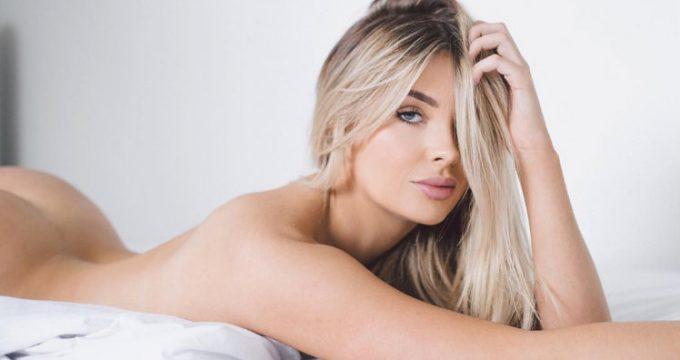 Sarah-Harris-sexy-Instagram