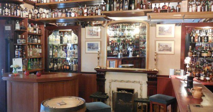 Hotel-Schotland-Whisky-01