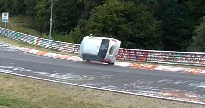 nurburgring-crash-daihatsu