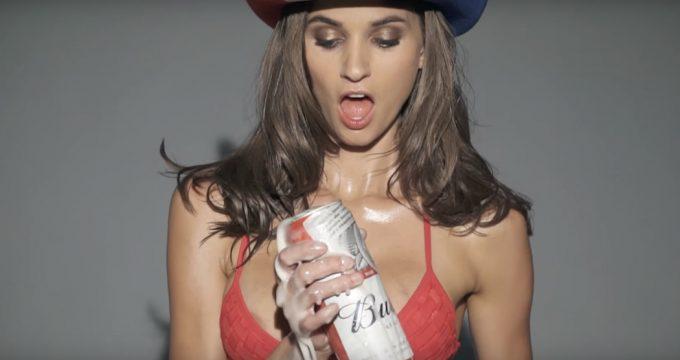 eats-channel-sexy-women-chris-applebaum