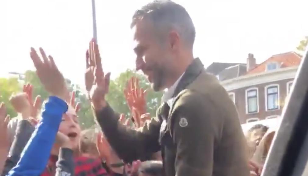 robin-van-persie-kinderen-high-five